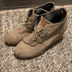 Toms wedge booties